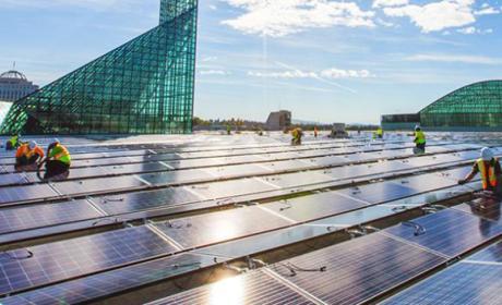"""SolarCity anuncia un """"techo solar"""" para finales de año"""