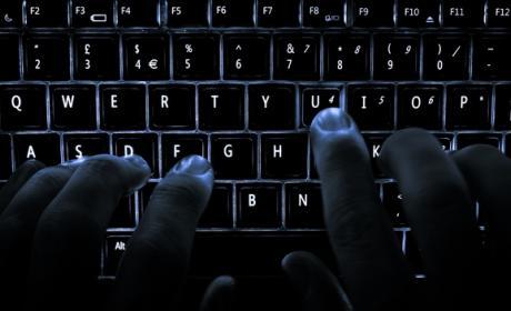 Un hacker desde su casa deja sin Internet a todo un país