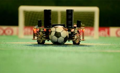 WiSoccero, el robot que juega al fútbol por control remoto