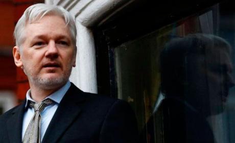 EEUU está considerando presentar cargos contra Wikileaks