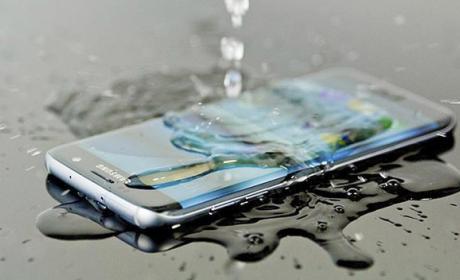 Protege tu móvil del agua