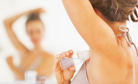 Has estado aplicándote mal el desodorante durante toda tu vida.