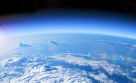 El agujero en la capa de ozono se reduce.