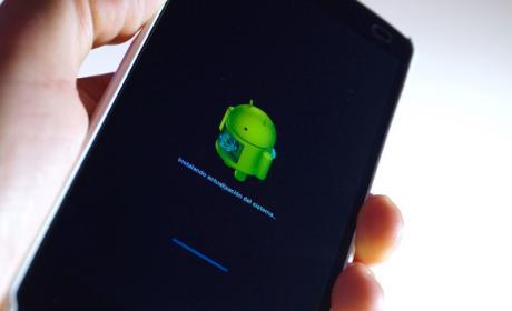 Cómo actualizar Android en un móvil o tablet de Samsung.
