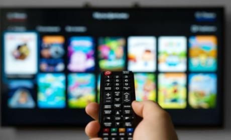 Estos son los accesorios que debes comprar para tu Smart TV.