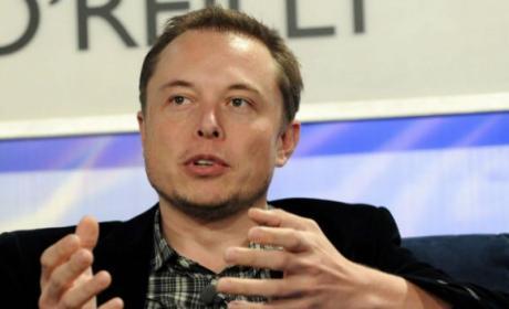 Elon Musk publica número teléfono móvil Twitter