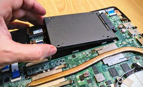Cómo cambiar el disco duro de tu portátil por un SSD