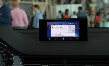Ya puedes utilizar el asistente virtual Google Assistant en Android Auto.