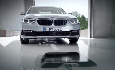 Así es la carga inalámbrica para coches eléctricos de BMW.