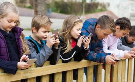 Calidad del tiempo que están los niños con los móviles