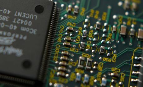Móviles y ordenadores podrían volverse más caros por la subida del precio del silicio.
