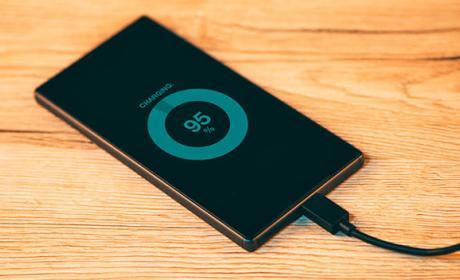 Este es el único teléfono compatible con Quick Charge 4.0