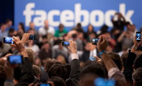 Zuckerberg ofrece un comunicado para zanjar la polémica por la filtración de datos de Facebook.