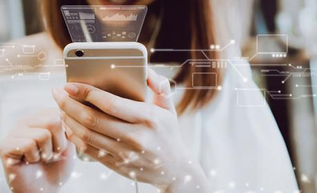 Yoigo presenta la primera tarifa móvil con gigas ilimitados de España