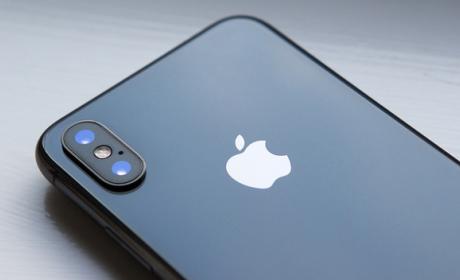Apple seguirá comprando pantallas a Samsung para los próximos iPhone.