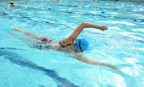 Ejercicios fáciles de natación para adelgazar.