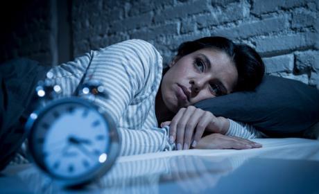Por qué no debes comer justo antes de dormir.