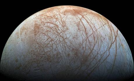 Las lunas del Sistema Solar más espectaculares, como nunca las has visto