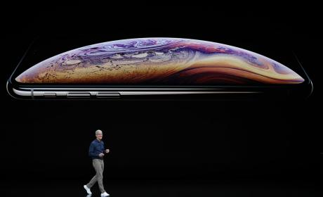 Apple iPhone XS Tim Cook