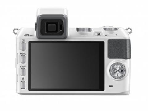 El visor de la Nikon 1 V2 se ha colocado en el eje óptico del visor