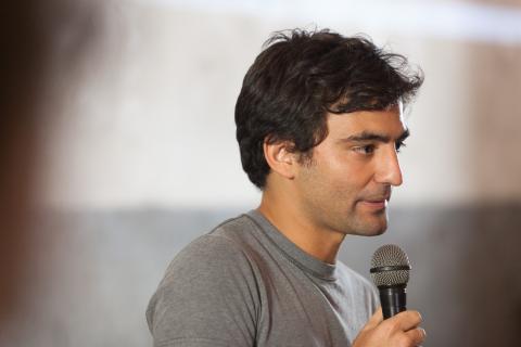 Maximo Cavazzani presenta Mezcladitos