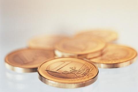 El gobierno y la SGAE imponen el euro por Gb