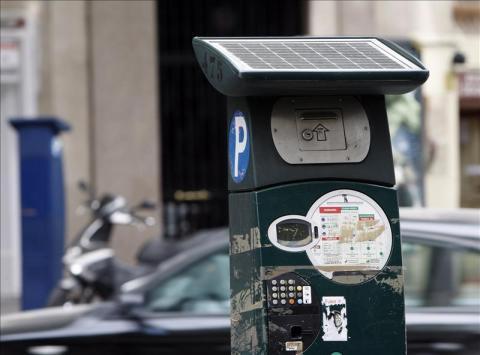 Ya es posible pagar el parquímetro desde el móvil en Madrid