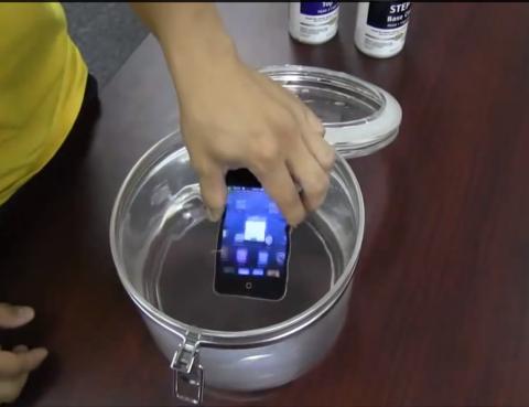 NeverWet, tu smartphone a salvo de líquidos