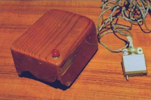 El inventor del ratón, Douglas Engelbart, murió hoy
