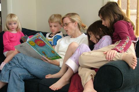 Las apps de cuentos para niños entusiasman a los pequeños