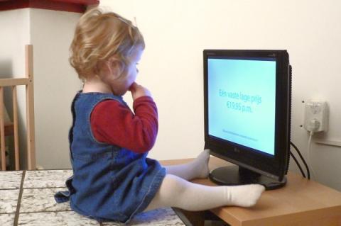 Un niño herido cada media hora por caída de televisor en USA. Fuente: Flickr (Erik eti smit)