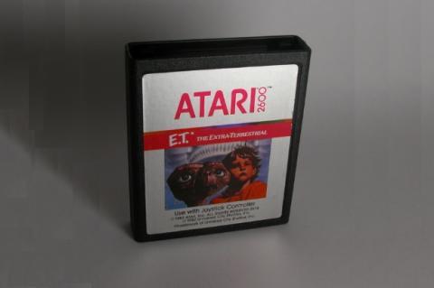 ¿Enterró Atari millones de cartuchos de E.T. en el desierto?