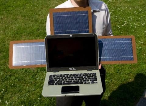 SOL, el portátil que se carga con energía solar