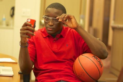 Árbitros y jugadores de la NBA debaten sobre el uso de Google Glass