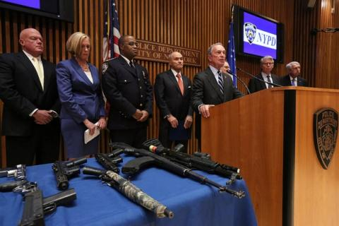 Bloomberg, alcalde de NY, anuncia éxito redada más grande en la historia de la ciudad