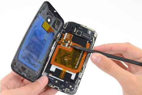 Motorola Moto X por dentro, cortesía de iFixit