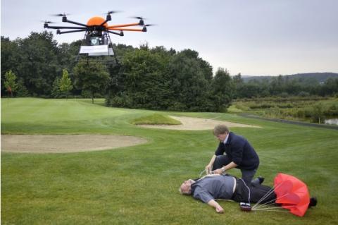 Defikopter, un dron que transporta un desfibrilador hasta la víctima que ha sufrido un ataque al corazón