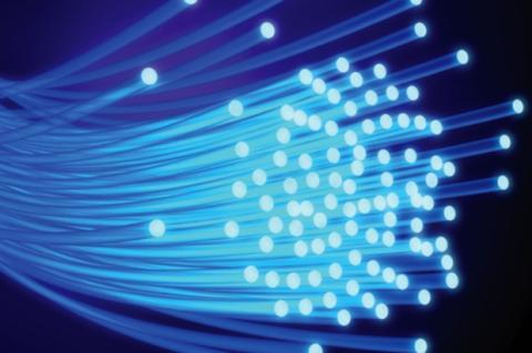 Vodafone y Orange extenderán la fibra óptica en 12 ciudades