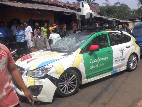 Coche de Google Street View accidente