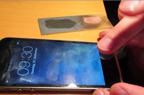 El grupo hacker CCC hackea el lector de huellas del iPhone 5S