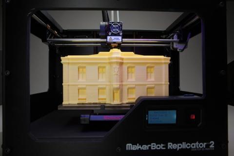 bq distribuye en España la impresora 3D MakerBot Replicator 2