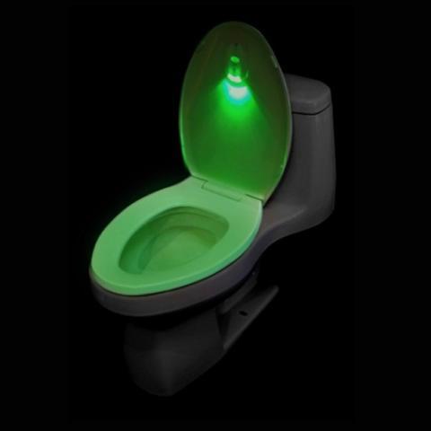 La luz verde de WC Navigator indica que la tapa de la taza está bajada