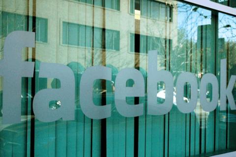 Facebook planea adquirir Snapchat