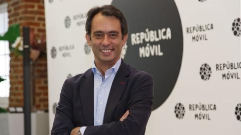 Carlos Vecino. República Móvil