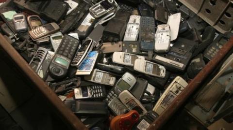 teléfonos móviles basura electrónica