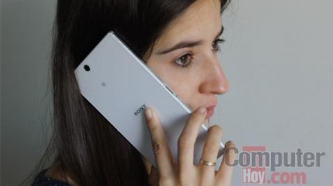 Sony Xperia Z ultra en la mano
