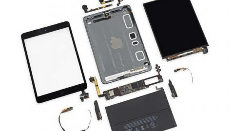 El ipad Mini Retina por dentro. Con procesador A7, pantalla retina, y más batería. Es cinco veces más potente que su predecesor.