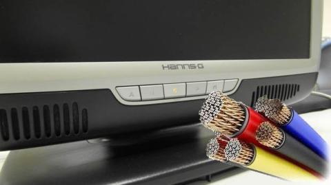 Los aparatos consumen si no los desenchufas