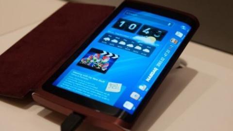 Samsung planea móvil con pantalla envolvente