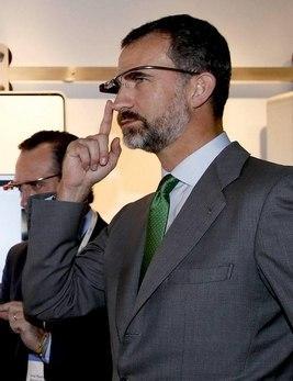 El Príncipe Felipe con Google Glass